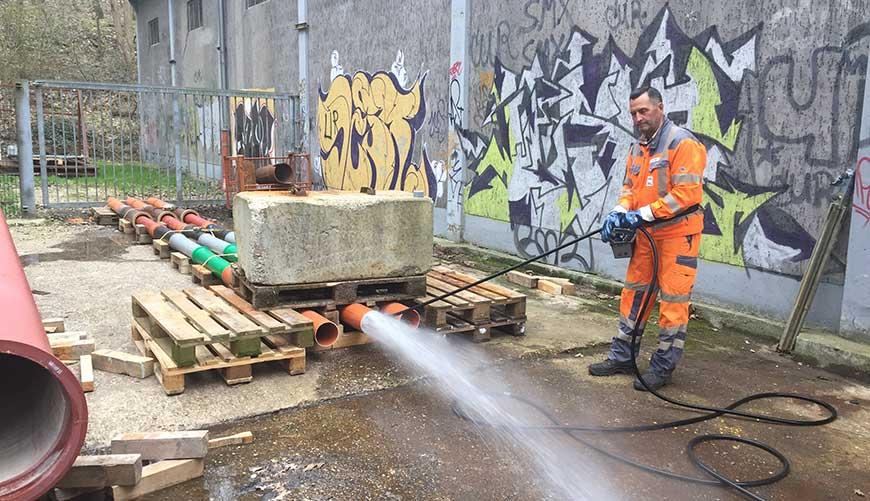 Standard high-pressure water flushing